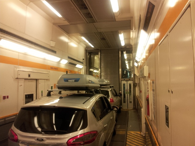 IDBUS Service Review Traveling From London To Paris By Bus - Chunnel tickets london to paris