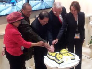 Royal Brunei Dreamliner 787 Officials Cut The Cake